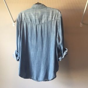 American Eagle Outfitters Tops - American Eagle Chambray Button Down